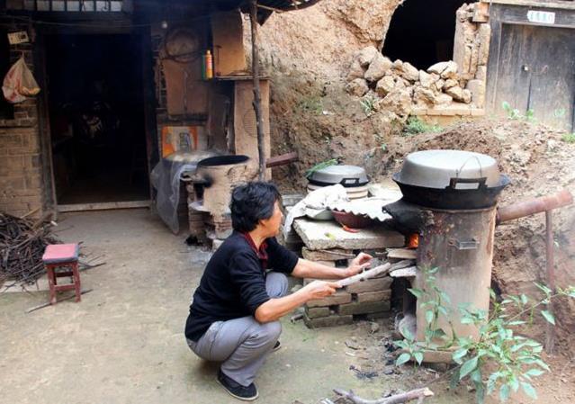 烧柴火的炉子,锅灶,炉灶